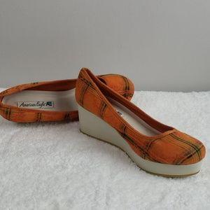 American Eagle shoes 8.5 (100)